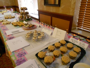 cupcake contest, arbor lakes senior living, senior fall activities