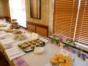 cupcake contest, arbor lakes senior living, senior fall activities