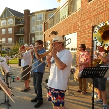 Outdoor Concert-Arbor Lakes Senior Living (4)