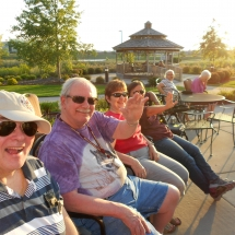 Outdoor Concert-Arbor Lakes Senior Living (5)